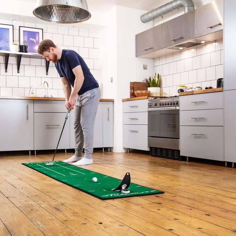 PuttOUT Medium Pro Putting Mat Green Golfer Male