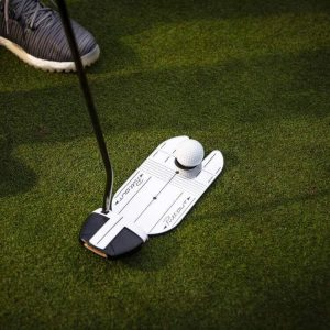 PuttOUT Compact Mirror Top Grass Golfer