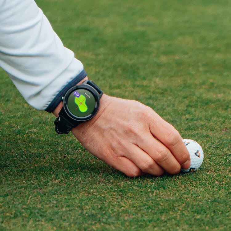 GOLFBUDDY aim W11 GPS Watch Lifestyle Aligning Ball