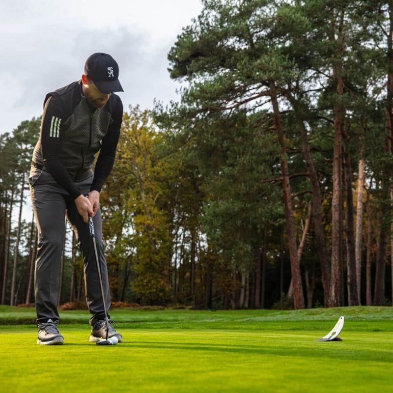 PuttOUT Platinum Golfer Putting Green