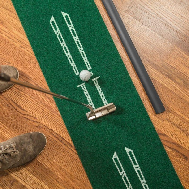 SKLZ Accelerator Pro Putting Mat Lifestyle Close Up